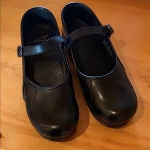 Dansko shoes size 39 Wide